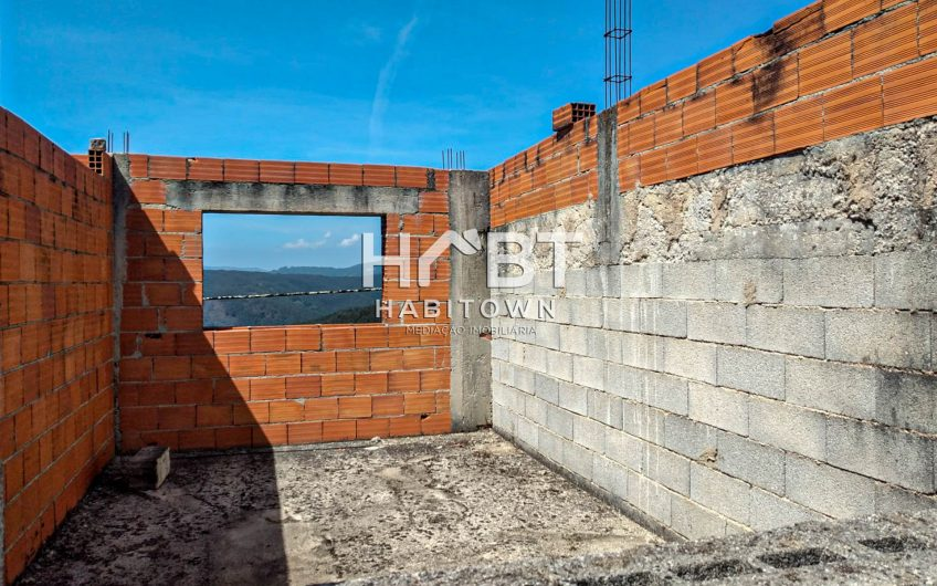 CASA EM FASE DE CONSTRUÇÃO / PERTO ÁGUEDA
